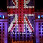 達志影像不得重複使用!!! The Palace of Culture and Science is illuminated in Union Jack colours by Warsaw's capital authorities in support of Britain staying in the EU, in Warsaw, Poland June 22, 2016. REUTERS/Kacper Pempel - RTX2HHLZ