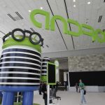 下載自美聯社 Android at the Google I/O conference in San Francisco, Wednesday, June 27, 2012.  (AP Photo/Paul Sakuma)