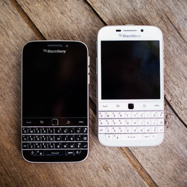 BlackBerry-Classic_black-and-white