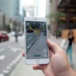 "下載自路透 A ""Pidgey"" Pokemon is seen on the screen of the Pokemon Go mobile app, Nintendo's new scavenger hunt game which utilizes geo-positioning, in a photo illustration taken in downtown Toronto, Ontario, Canada July 11, 2016. REUTERS/Chris Helgren   - RTSHGSQ"
