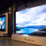下載自美聯社 IMAGE DISTRIBUTED FOR LEECO - Left to Right: VIZIO 120 inch Reference Series Display and LeEco 120 inch Smart TV at LeEco and VIZIO Press Conference in Hollywood where it was announced that LeEco had acquired VIZIO for $2 billion, Tuesday, July 26, 2016 in Los Angeles. (Dan Steinberg/AP Images for LeEco)