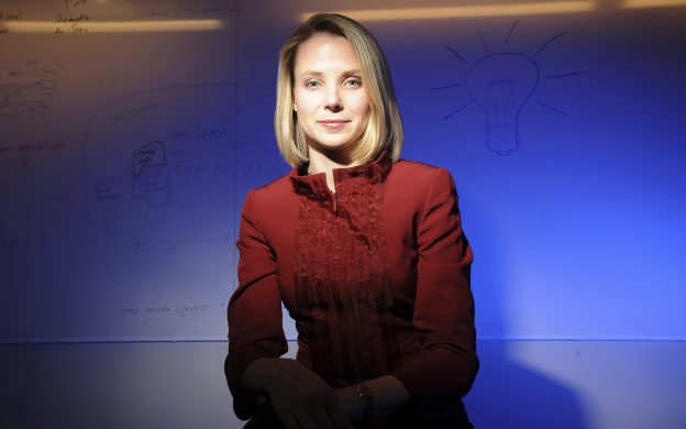 下載自路透 Marissa Mayer poses at Google's Mountain View, California headquarters, February 24, 2009. Mayer, who at the time served as Google's vice president of Search Products & User Experience, was named as Yahoo's chief executive officer on July 16, 2012. REUTERS/Noah Berger (UNITED STATES - Tags: BUSINESS) - RTR3DTES