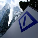 圖片來源:《達志影像》 圖片取自路透社 A Deutsche Bank logo adorns a wall at the company's headquarters in Frankfurt, Germany June 9, 2015. REUTERS/Ralph Orlowski/File Photo - RTSK2KR