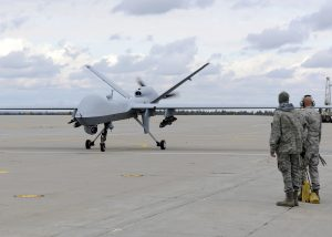 下載自路透 A U.S. Air Force MQ-9 Reaper unmanned aerial vehicle assigned to the 174th Fighter Wing prepares to take off from Wheeler-Sack Army Airfield at Fort Drum, N.Y. in this October 18, 2011 USAF handout photo obtained by Reuters February 6, 2013.    REUTERS/U.S. Air Force/Staff Sgt. Ricky Best/Handout     (UNITED STATES - Tags: MILITARY POLITICS) THIS IMAGE HAS BEEN SUPPLIED BY A THIRD PARTY. IT IS DISTRIBUTED, EXACTLY AS RECEIVED BY REUTERS, AS A SERVICE TO CLIENTS. FOR EDITORIAL USE ONLY. NOT FOR SALE FOR MARKETING OR ADVERTISING CAMPAIGNS - RTR3DF6V