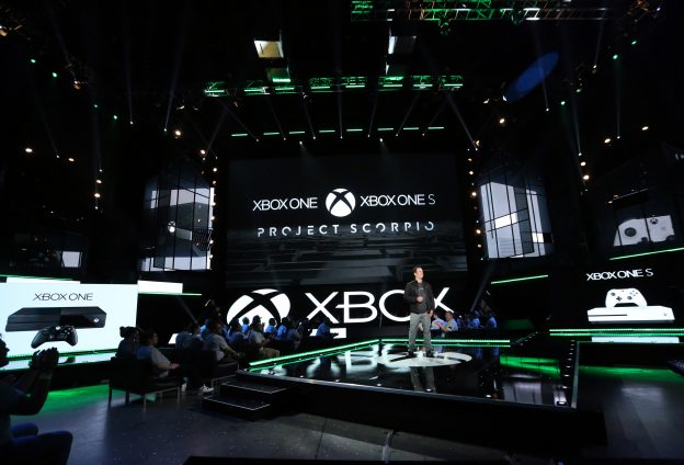 下載自美聯社 IMAGE DISTRIBUTED FOR MICROSOFT - Phil Spencer, Head of Xbox, discusses the Xbox One family of devices including the newly unveiled Project Scorpio and Xbox One S at the Xbox E3 2016 Briefing on Monday, June 13, 2016 in Los Angeles. (Photo by Casey Rodgers/Invision for Microsoft/AP Images)