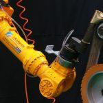 機器人協助水五金工件研磨工作 工研院完成開發