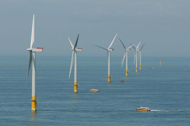 整体工程包括海底电缆的铺设,风机基座的设置与 2 座西门子 4mw 风机