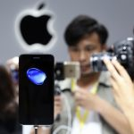 The iPhone 7 is shown on display during an Apple media event in San Francisco, California, U.S. September 7, 2016.  REUTERS/Beck Diefenbach - RTX2OKGG