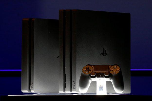 下載自路透 A Sony PlayStation 4 Pro is displayed during a launch event in New York City, U.S., September 7, 2016.  REUTERS/Brendan McDermid - RTX2OKGO