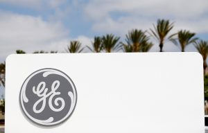 下載自路透 The logo of Down Jones Industrial Average stock market index listed company General Electric is shown at their subsidiary company GE Aviation in Santa Ana, California April 13, 2016.  REUTERS/Mike Blake  - RTX2E4CJ