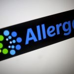 下載自路透 The Allergan logo is seen in this photo illustration November 23, 2015. To match special report USA-FDA/CASES REUTERS/Thomas White/Illustration/File Photo                   - RTX2OO3N