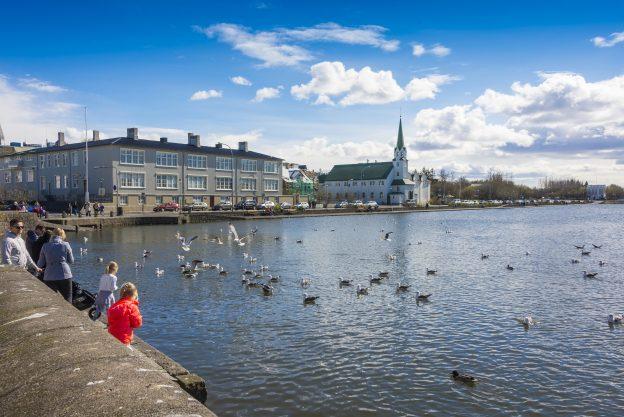 下載自美聯社 Island Reykjavík - May 2016 | usage worldwide Photo by: Udo Bernhart/picture-alliance/dpa/AP Images