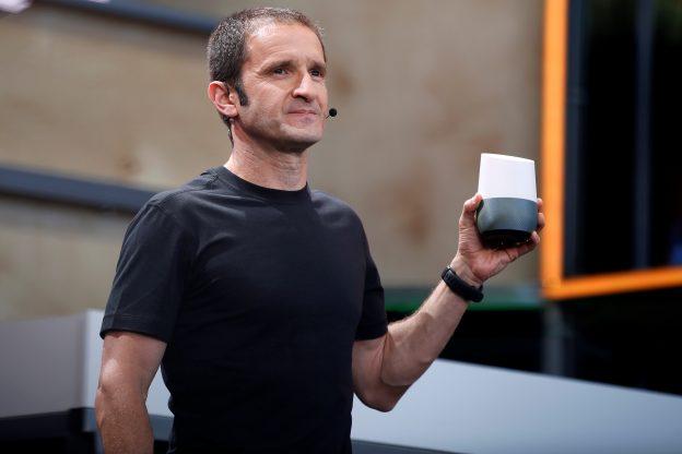 下載自路透 Mario Queiroz, vice president of product management at Google, introduces Google Home during the Google I/O 2016 developers conference in Mountain View, California, U.S. May 18, 2016.  REUTERS/Stephen Lam     TPX IMAGES OF THE DAY      - RTSEW1M