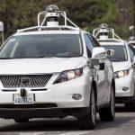 下載自路透 A line of Lexus SUVs equipped with Google self-driving sensors await test riders during a media preview of Google's prototype autonomous vehicles in Mountain View, California September 29, 2015.  REUTERS/Elijah Nouvelage - RTS2BZQ