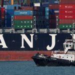 圖片來源:《達志影像》 圖片取自路透社 A tugboat passes Hanjin Hungary container ship at PSA's Tanjong Pagar terminal in Singapore September 28, 2016.  REUTERS/Edgar Su/File Photo - RTSS0CD