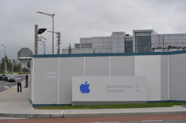 下載自路透 Apple Operations International, a subsidiary of Apple Inc, is seen in Hollyhill, Cork, in the south of Ireland August 30, 2016. REUTERS/Stringer - RTX2NKZQ
