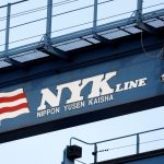 圖片來源:《達志影像》 圖片取自路透社 The logo of Japanese shipping company Nippon Yusen (NYK Line) is seen on a container straddle carrier at a dock in Tokyo August 12, 2009.   REUTERS/Stringer/File Photo - RTX2R4G1