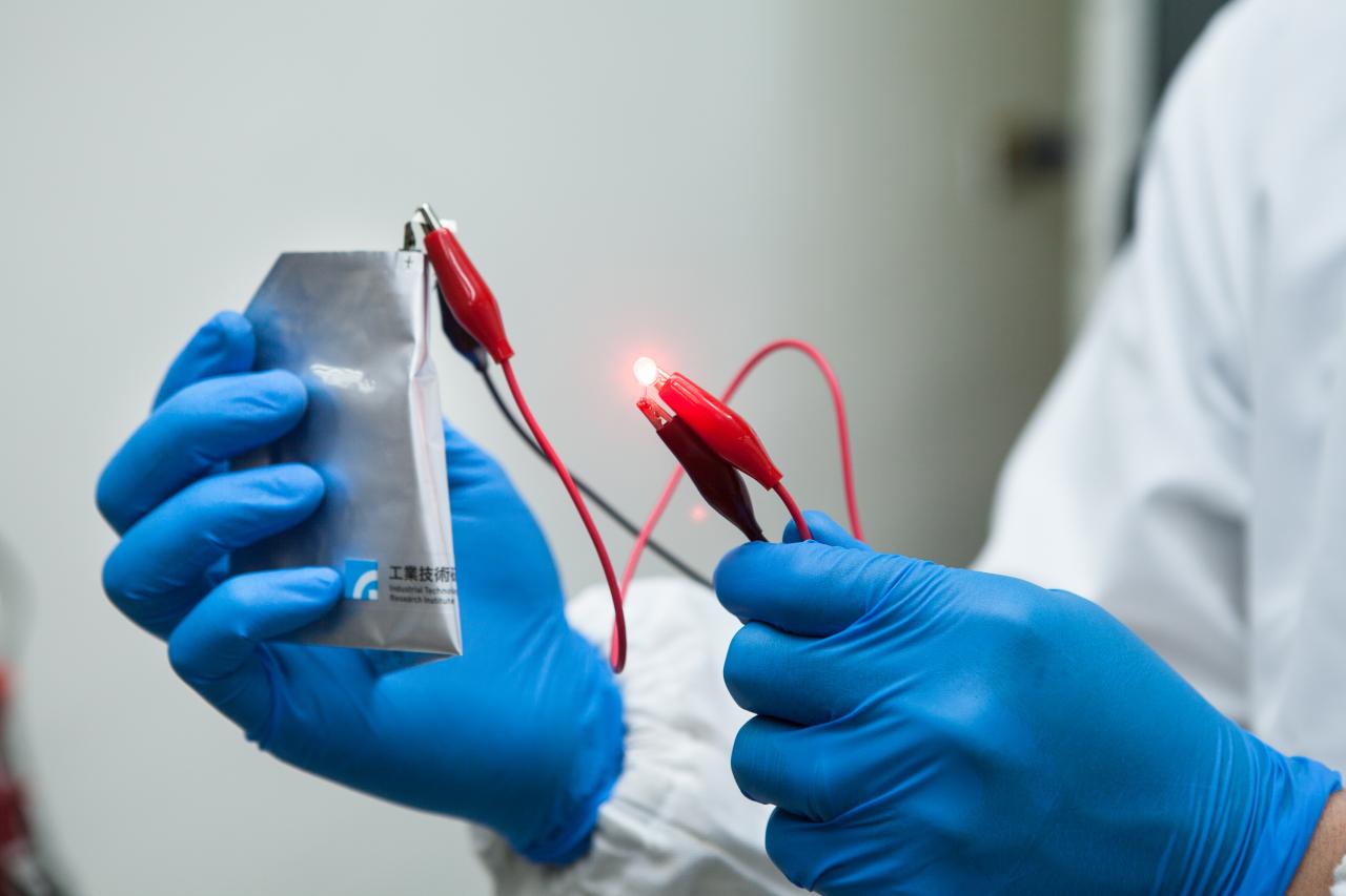 次世代新儲能裝置,交給平價安全鋁電池