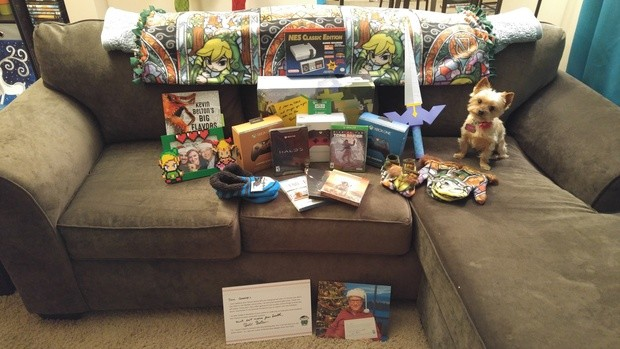 reddit-user-received-so-many-stuff-as-present-from-her-secret-santa-bill-gates 18