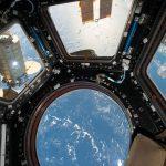 國際太空站通過太陽時會是什麼畫面?從 NASA 公佈的影像看來相當可愛
