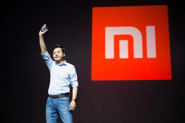 下載自路透 Lei Jun, founder and CEO of China's mobile company Xiaomi gestures during a launch of the company's new products in Beijing, China, September 27, 2016. Picture taken September 27, 2016.  REUTERS/Stringer ATTENTION EDITORS - THIS IMAGE WAS PROVIDED BY A THIRD PARTY. EDITORIAL USE ONLY. CHINA OUT. NO COMMERCIAL OR EDITORIAL SALES IN CHINA.      - RTSPRYZ