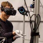 Mark Zuckerberg 秀出 Oculus 最新產品,VR 手套即將到來