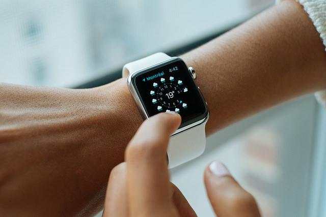 11 個名牌共襄盛舉!Baselworld 2017 全新智慧手錶搶先看