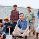 「你有種就把我砍死!」35 歲成大博士闖越南蓋房收服工人,兩年內營收破億