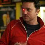 另類的 Snap Spectacles?美製片人於右眼窩裝設錄影機