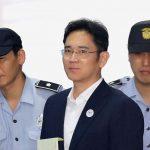 下載自路透 Lee Jae-yong, Samsung Group heir arrives at Seoul Central District Court to hear the bribery scandal verdict on August 25, 2017 in Seoul, South Korea. REUTERS/Chung Sung-Jun/Pool *** Local Caption *** Lee Jae-yong - RTS1D8HD