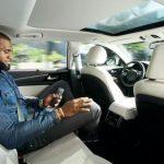 Intel 啟動無人駕駛推廣行銷,邀請 LeBron James 來體驗