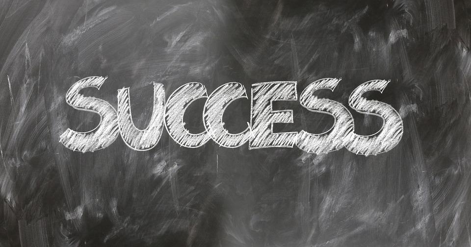 也許成功的祕訣不是做什麼非凡的事,而是專注的去做平凡的事