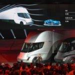 Tesla 推出半掛電動卡車和新款 Roadster 超跑,性能爆表但量產能力依然受存疑