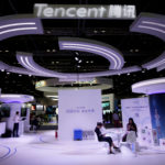 下載自路透 Tencent's booth is pictured at the Global Mobile Internet Conference (GMIC) 2017 in Beijing, China April 28, 2017. REUTERS/Jason Lee - RC1A9998F350