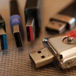 為什麼 USB 這麼容易插反?