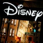 下載自路透 The logo of the Disney store on the Champs Elysee is seen in Paris, France, March 3, 2016.   REUTERS/Jacky Naegelen/File Photo - S1BEUDPMKSAF