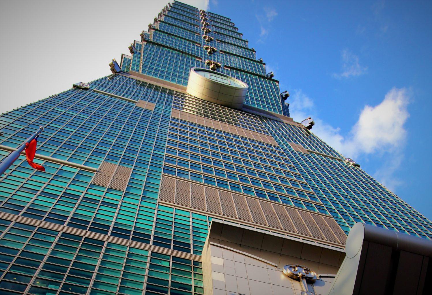 台灣超級富豪年增 420人,成長速度全球第三