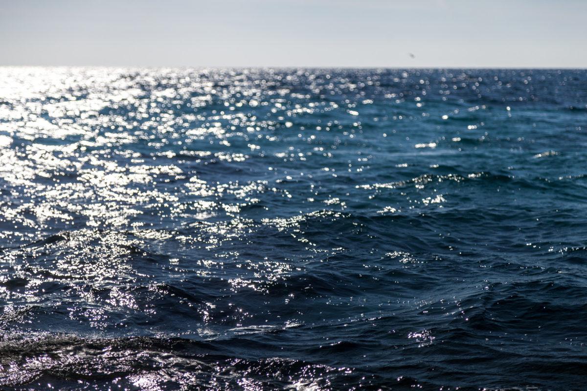 結合太陽熱發電與儲能,可望達成 100% 綠能海水淡化