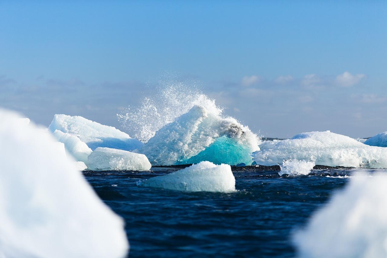 地球悲歌,北極最厚海冰破裂推離