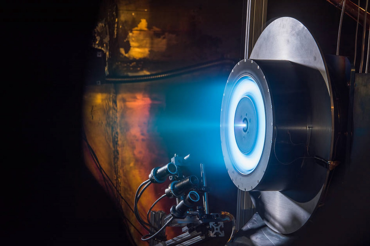 NASA 火箭電力推進系統測試成功,奠定深空任務下一步