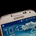 三星Galaxy S4銷量放緩 公司股價大跌