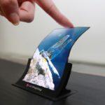 全球首見!日本研發出採 IGZO 技術的可摺疊 OLED 面板