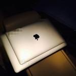 新的 12 吋 MacBook Air 發光蘋果不亮了?