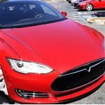駭客稱可遠程控制 Tesla 電動車,導致斷電停車