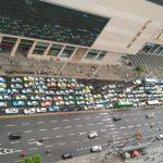 武漢七萬輛計程車罷工,抗議私家車租車服務