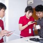 美媒讚中國手機好,價格便宜、功能無所不能