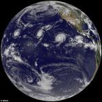 史上頭一遭!NASA 拍到太平洋首見 3 大暴風「排排站」的奇觀