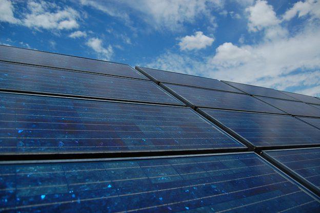 烈日高照太陽能發威,發電量再度超越核二廠