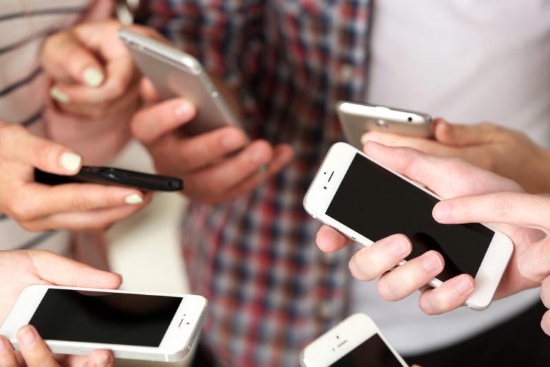 研調:中國智慧手機 Q1 出貨恐腰斬,銷售可能年減 50%