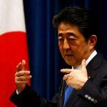 圖片取自美聯社 Japan's Prime Minister Shinzo Abe attends a news conference at his official residence in Tokyo, Japan June 1, 2016. REUTERS/Thomas Peter  - RTX2F3WV